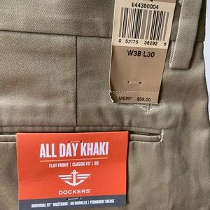New with tags Dockers 38x30 khaki